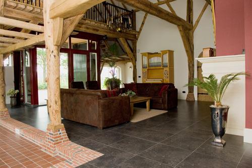 Interieur en exterieur oud woonhuis boerderij